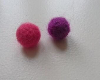 Handmade felted beads - set of 5, single colour
