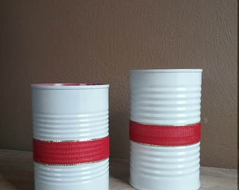 Wedding Centerpiece Decor, Tin Can, Rustic, Shabby Chic, Red and White with ribbon