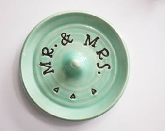 Mr and Mrs Dish - Wedding gift ring dish - Keepsake Ring Dish - sentimental gift - Gift box included