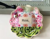 fabric scrap modern patchwork Mom lavender sachet ornament, flower shape appliquéd Mother's Day fabric scrap hanging pillow sachet - No. 79