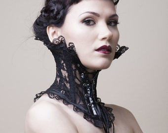 Baroque Neck Corset in Black Lace