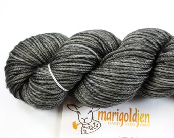 Charcoal--hand dyed worsted weight, merino superwash (218yds/100gm)