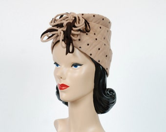Vintage 1940s Hat - Bold Two Tone Structured Felt Late 30s Turban Style Hat with Sequin Dots and Multiple Bows