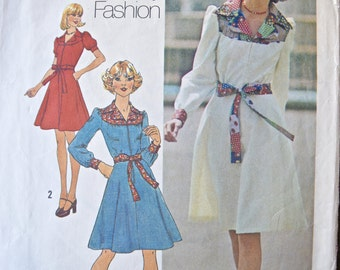 1970's Simplicity 7130 Vintage Sewing Pattern Young Contemporary Fashion Misses Dress in Two Lengths Contrast Yoke and Tie Belt Bust 32.5