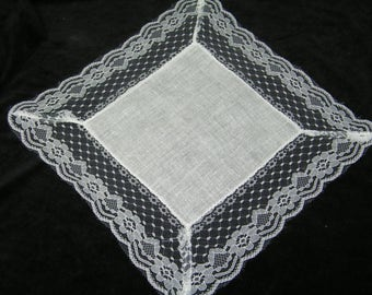 Vintage Unused Linen and Lace Pocket Square Brides Wedding Handkerchief - 9788