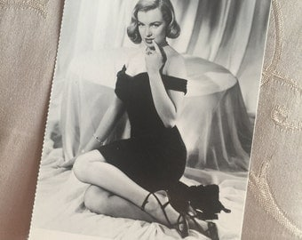 Vintage U.K. Limited Edition Marilyn Monroe Black Dress Necklace Post Card