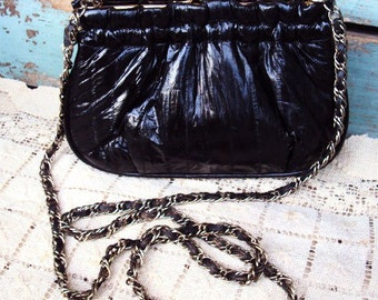 Vintage EEL Skin Purse Black Leather Handbag Crossbody Cross Body Chain Strap Leather 1970s 1980s Kiss Enclosure Unique Over the Shoulder