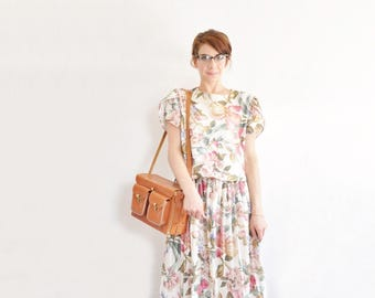 pink floral garden party dress . tulip sleeves . pleated midi skirt .medium .sale