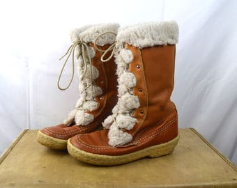 Vintage 70s Furry Canadian Tall Snow Boots - Size 8