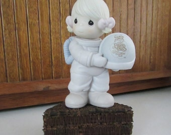 Precious Moments Astronaut - Club That's Out of This World - Girl in Space Suit - C0012 - Vintage PM Collectible Retired Figurine