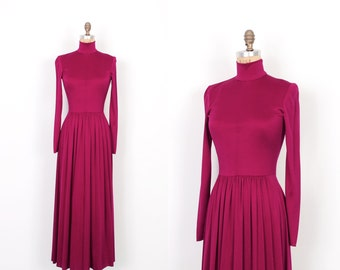 Vintage 1970s Dress / 70s Jersey Turtleneck Maxi Dress / Raspberry ( small S )