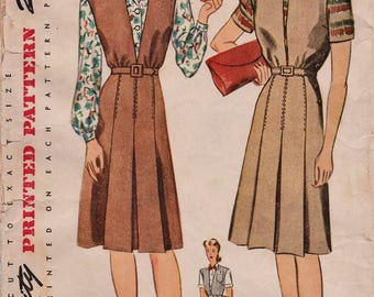 Simplicity 4775 / Vintage 1940s Sewing Pattern / Jumper And Blouse / Size 18 Bust 36