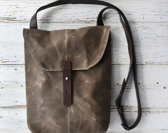 Waxed Canvas Hunter Satchel in Truffle by Peg and Awl, Waxed Canvas Crossbody Bag for Adventure, Waxed Canvas Bag, Purse, Travel Bag, Unisex