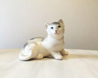 China cat, vintage cat figurine, vintage china cat, vintage cat ornament, ceramic cat, white cat figurine, porcelain cat, cat collectible