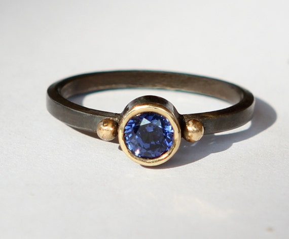 Natural 1.10ct  Blue Sapphire Oxidized Sterling Silver And 18K Gold Ring SZ 7.5