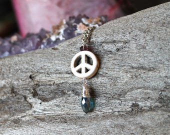 Hippie Peace Necklace - Minimalist Jewelry - Simple Necklace - World Peace - Peace Sign - Gypsy Jewelry - Festival Fashion - Gift for Her