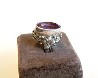 Carol Felley Amethyst Sterling Silver Ring Dome Tall Setting Southswestern Art Nouveau Flowers Vintage 1980's Lorenzo Secatero Signed Sz 5