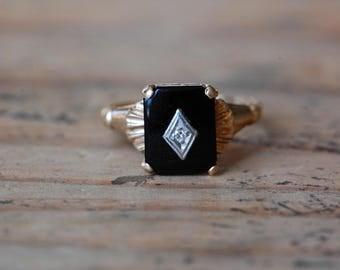 Vintage 1950s 14K onyx and diamond ladies dress ring