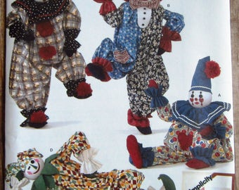 Decorative Clowns Simplicity Crafts Pattern 2954 UNCUT