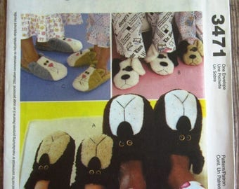 Adults and Childrens Animal Slippers: Bears, Dogs, Cats McCalls Crafts Pattern 3471 UNCUT