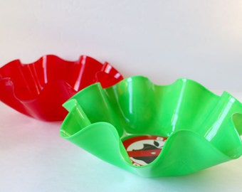Upcycled Vinyl Record Bowls - Red & Green  Set of 2 ( 7 )