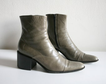 Barneys Gray Pointed Boot 36