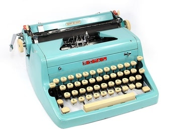 Vintage Turquoise Typewriter Royal Quiet DeLuxe Manual with Case Fully Serviced Working Typewriter