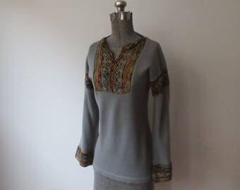 Gorgeous! Vintage '70s 'Grand Prix' Boho, Folk Knit Bell Sleeve Sweater, Small