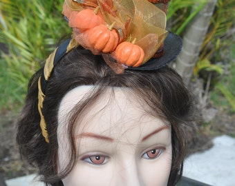 Accessory Diadem with black little Hat and pumpkins for costumes or to have a good time