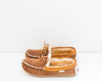 L.L.Bean caramel brown suede leather loafer wool lining slippers - men's size 9 M