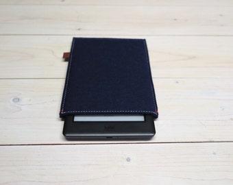 ON SALE - kindle Paperwhite case / kobo glo case ereader felt sleeve in dark navy blue merino wool
