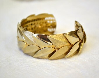 1950s Golden Leaves Cuff Bracelet