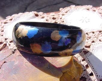 Midnight Blue Gold Vintage Lucite Bangle Bracelet