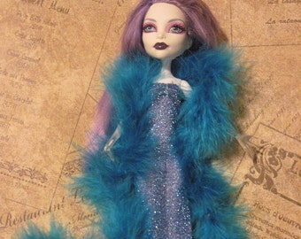 Monster High Blue Silver Gown and Blue Boa