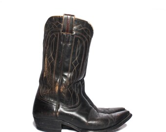 9 D | 1960's Nocona Pointed Toe Western Boots in Dark Brown