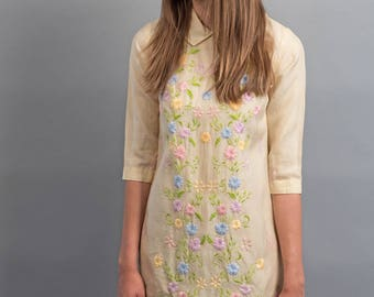 Floral Embroidered Mini Dress / 60s Baby Doll Dress / Floral Mod Dress / Embroidered Floral Mexican Dress Δ size: XS
