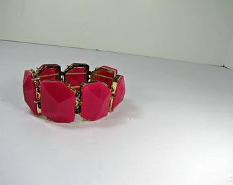 Vintage HOT PINK BRACELET Fuchsia Plastic Stone Summer Jewelry