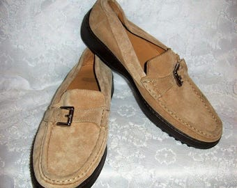 Vintage Ladies Tan Suede Leather Slip Ons Loafers by Coach Size 7 1/2 Only 14 USD