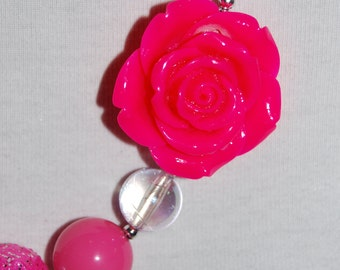 Girls Chunky pink flower necklace