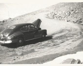 "Vintage Photo ""Pikes Peak Car Trouble"" Radiator Overheated Colorado Rocky Mountains Found Vernacular Snapshot"