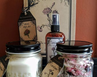 Hand Made Spring Flowers Gift Box ~ Hand Poured Soy wax candle~ Room Spray ~ Jar Potpourri~Carnation