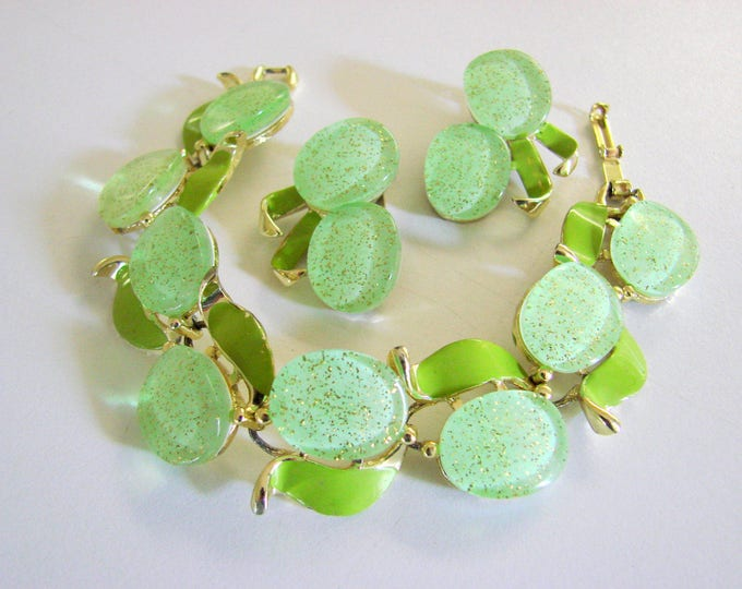 Vintage Lime Green Thermoset Translucent Enamel Goldtone Demi Parure Bracelet Earrings Jewelry Jewellery