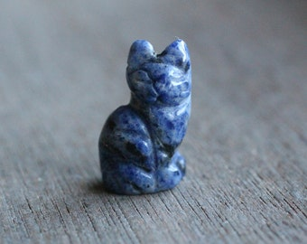 Sodalite Stone Cat Figurine F6