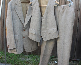 Mens Suit Jacket Pants Vest Three Piece Set Custom Tailored Cricketeer Capwells California Menswear Clothing Vintage 1960s 60s (CL0