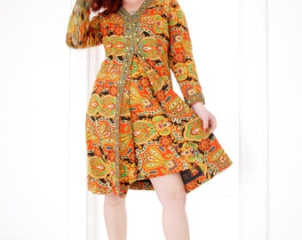 Vintage orange paisley dress, mod, L XL 1960s 1970s SALE