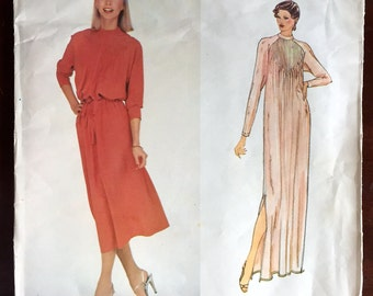 "1970's Vogue Paris Original Chloe Maxi Dress with Long Sleeves pattern - Bust 31.5"" - UC/FF - No. 2162"