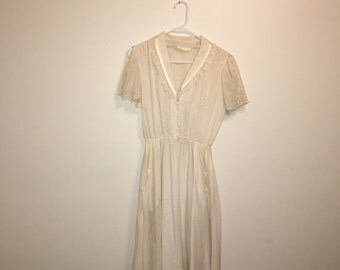 Vintage white cotton & lace embroidered sun dress
