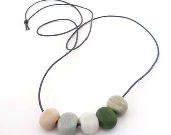 Beach pebble necklace - river stone -  80 cm long - handmade lampwork beads