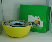 Pyrex Primary Mixing Bowl Set with Box