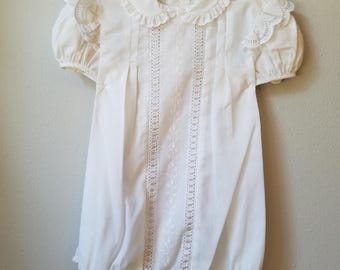 Vintage Girls White Lace Trimmed Bubble Suit Romper with Flutter Sleeves- Size 24 Months- New, never worn